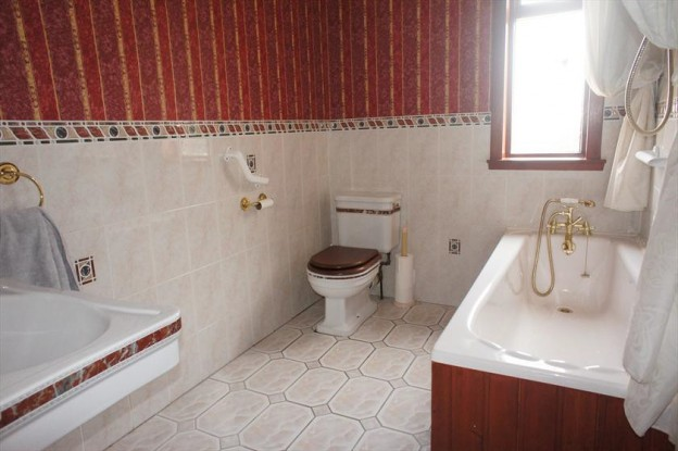 Bathroom, Ballindean Road