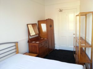 The smaller bedroom, which faces on to Leith Walk